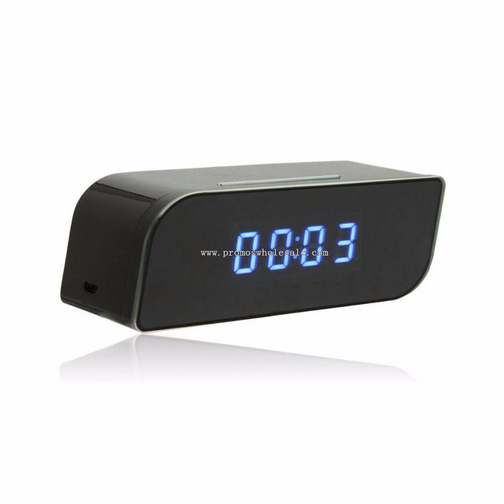 Беспроводная скрытая видеокамера будильнике